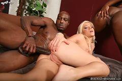 Порно с чернокожей сучкой фото 264-398